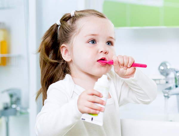 Are Feeding Bottles & Pacifiers Harmful to Your Child's Teeth?